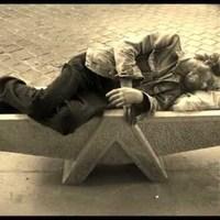 A hajléktalanok megjelenése a többségi médiában