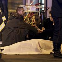 Így használja ki az Orbán-kormány a 128 párizsi áldozat halálát
