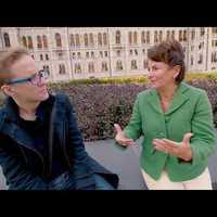Hagyományos beszélgetés Varga-Damm Andreával
