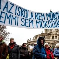 A visszavonulását fedezi Orbán összeesküvés-elmélete