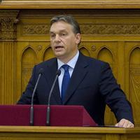 A migráció és a terrorizmus összefüggése Orbán küldetéstudatával és politikai számításával