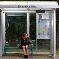 4  dolog, amit bátran csinálhatsz a buszmegállóban az egészségedért, anélkül, hogy ciki lenne