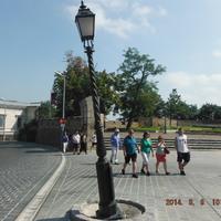 Megdőlt kandeláber a Dísz téren