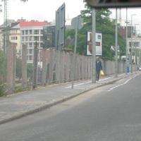 Lebontották a Mészáros utcai betonfalat