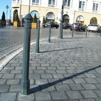 Ilyenek lesznek a Dísz téri parkolásgátló oszlopok