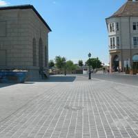 Képriport - A vári útfelújítás képei (Szentháromság tér, Hadik szobor, Hess András tér, Fortuna utca)