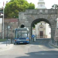 Elkészült a Bécsi kapu alatti útburkolat javítása
