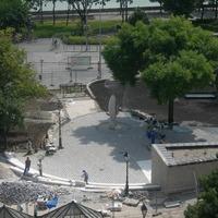 Képeink a Clark Ádám térről