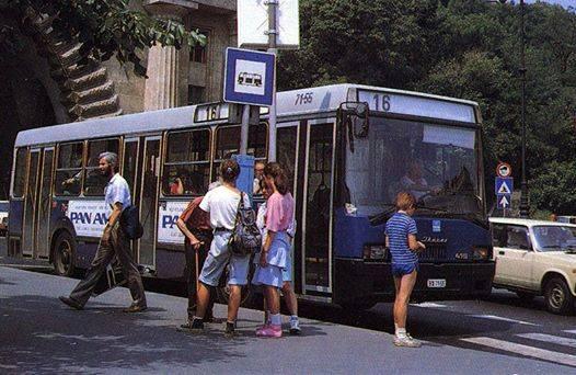 16-os_busz_retro_clark_1988.jpg