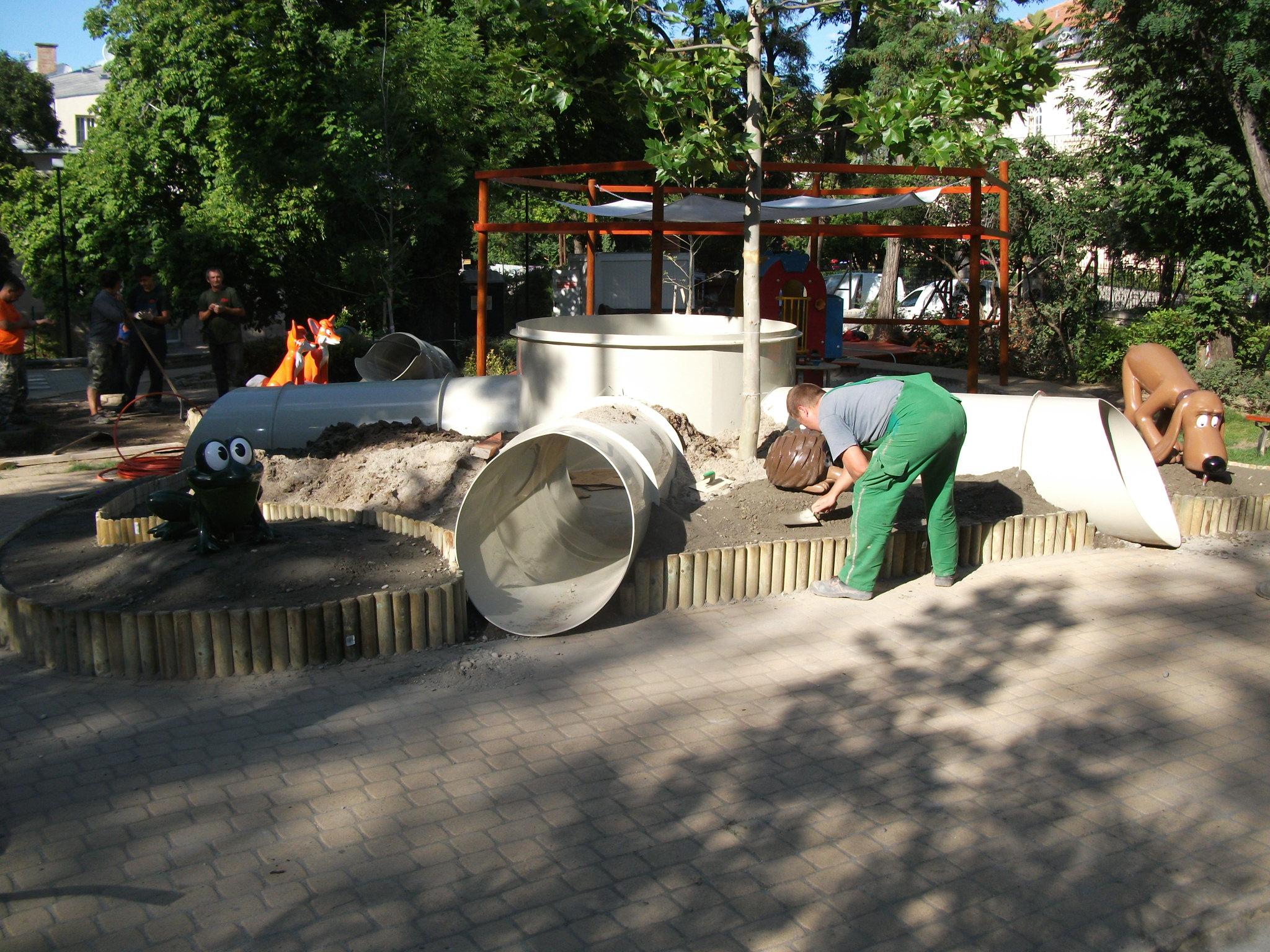 Szirtes utca, Vuk játszótér építési munkálatai