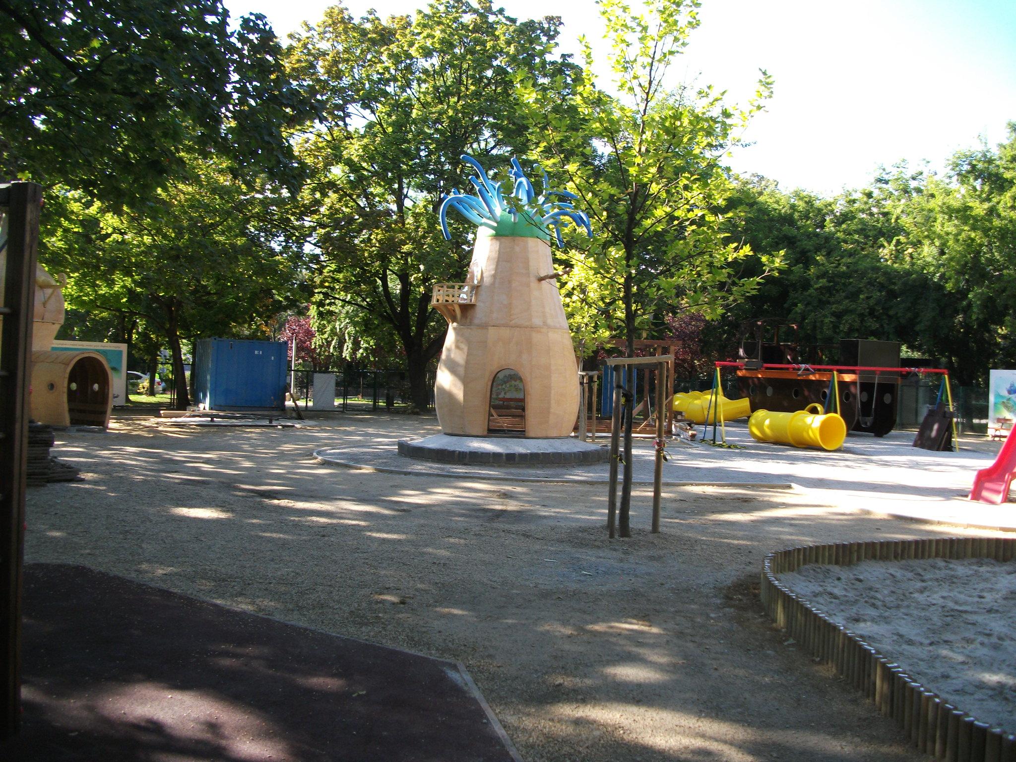 Naphegy téri Pom Pom játszótér építési munkálatai