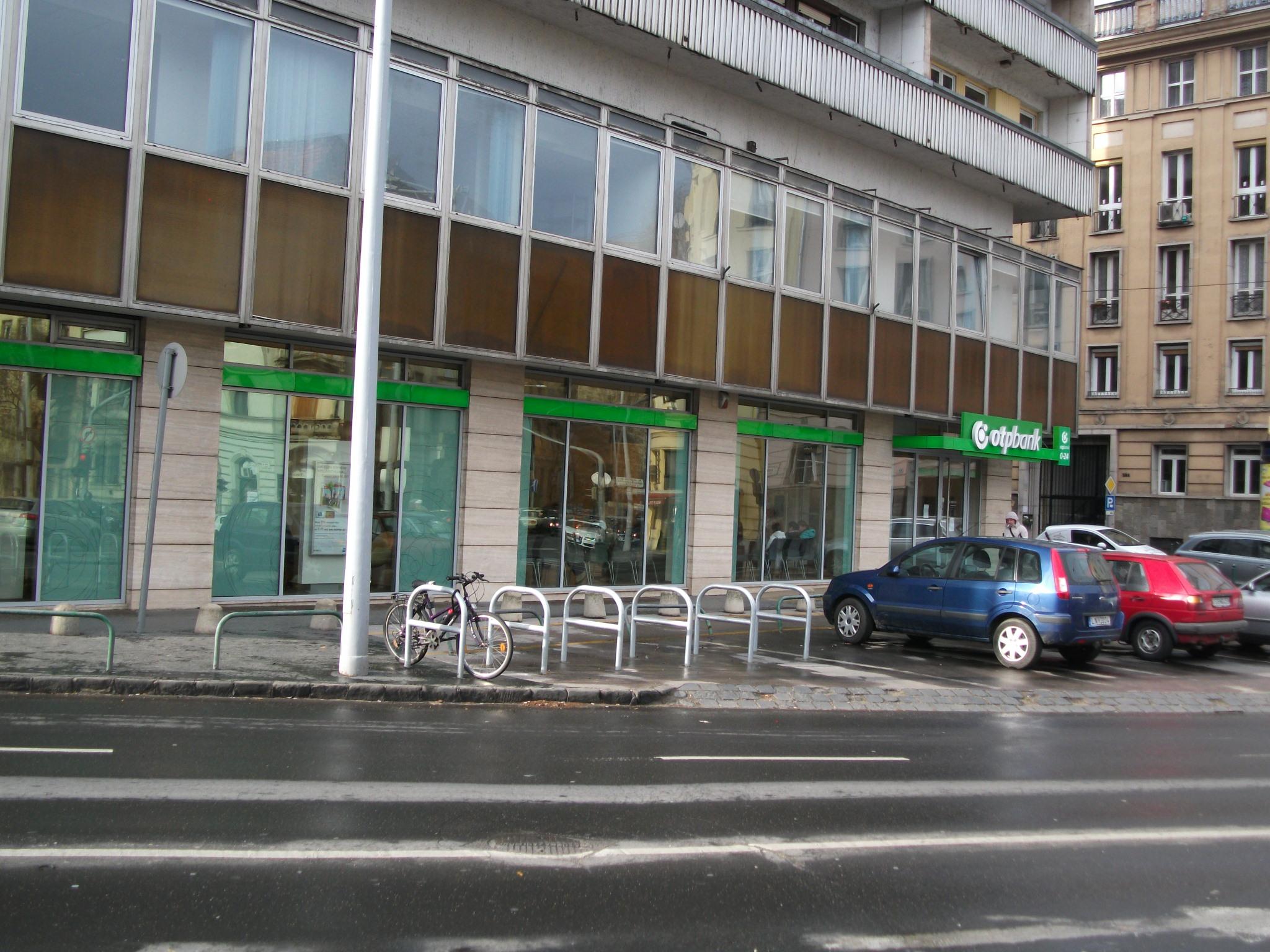 Krisztina tér, Alagút utca