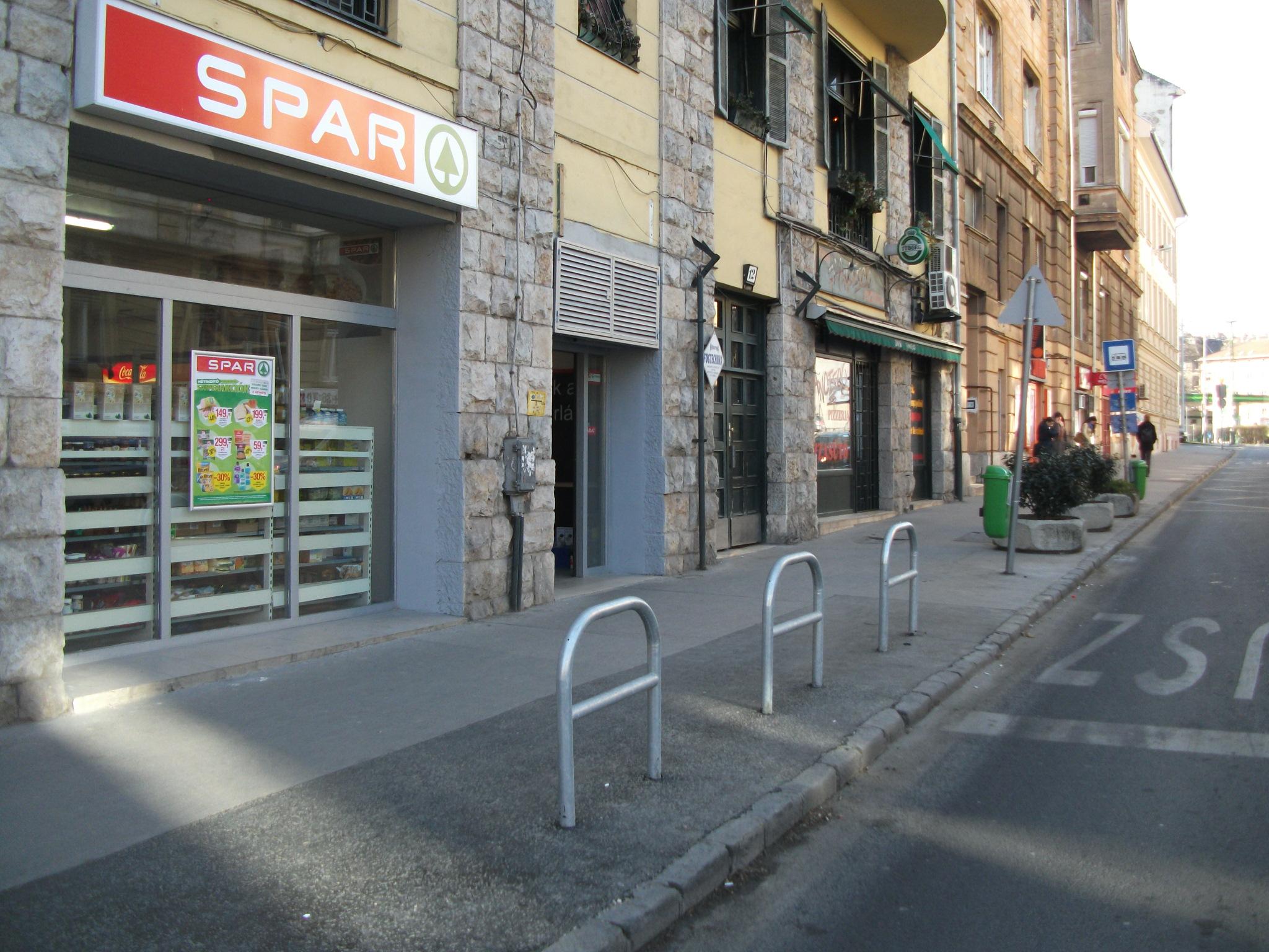 Mészáros utca, Spar