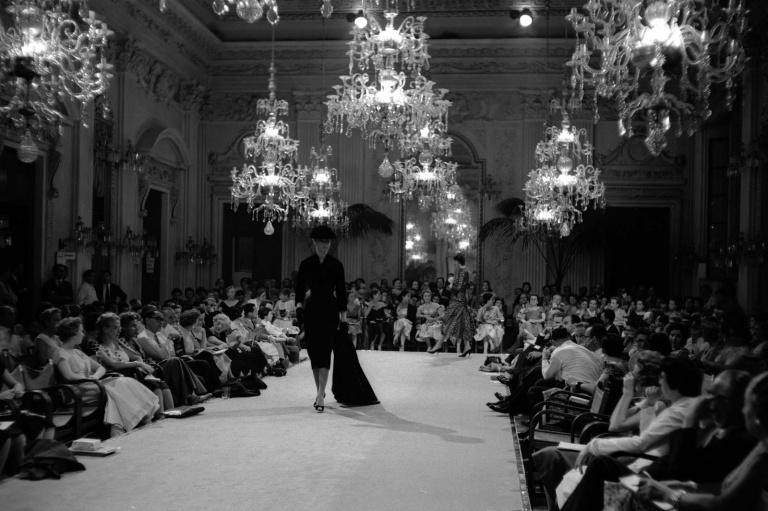 044-valentino-theredlist_pitti_palace_fromthebygone_blog.jpg