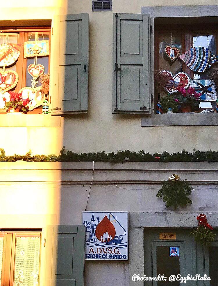 mozaikok_ablakban.jpg