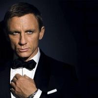 Megkésett kritika a legújabb James Bondról