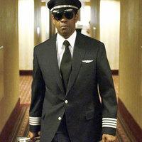 Denzel Washington részegen is nagyon jó a Kényszerleszállásban