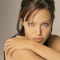 KerületiLeg -a legcelebb; Angelina Jolie kerületünkben