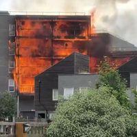 Kiégett egy lakóépület Barkingban