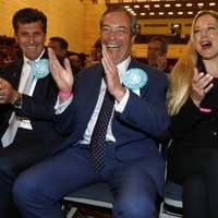 Londonon, Skócián és Észak-Írországon kívül mindenhol Farage nyert