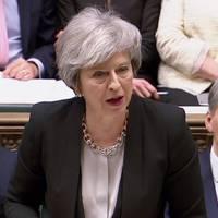 Döntöttek a képviselők: folytassa a tárgyalásokat May
