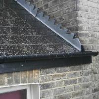 Jégeső esik