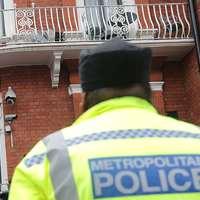 Miközben nő a bűnözés, egyre kevesebb a rendőr