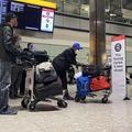 Akár 2000 fontot ad a kormány annak, aki önként hazaköltözik