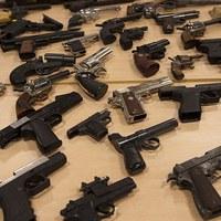 Ömlik az illegális lőfegyver Angliába
