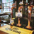 Bezárják a pubokat, kifizetik a munkavállalók bérét