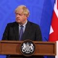 Johnson: egy hónappal későbbre toljuk a teljes nyitást
