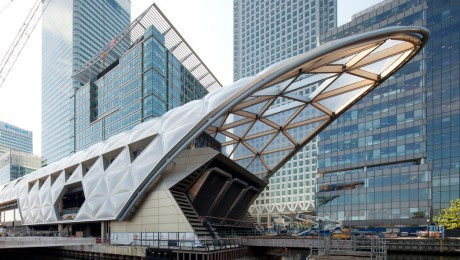 construction_of_striking_lattice_timber_roof_above_canary_wharf_crossrail_station_144105.jpg
