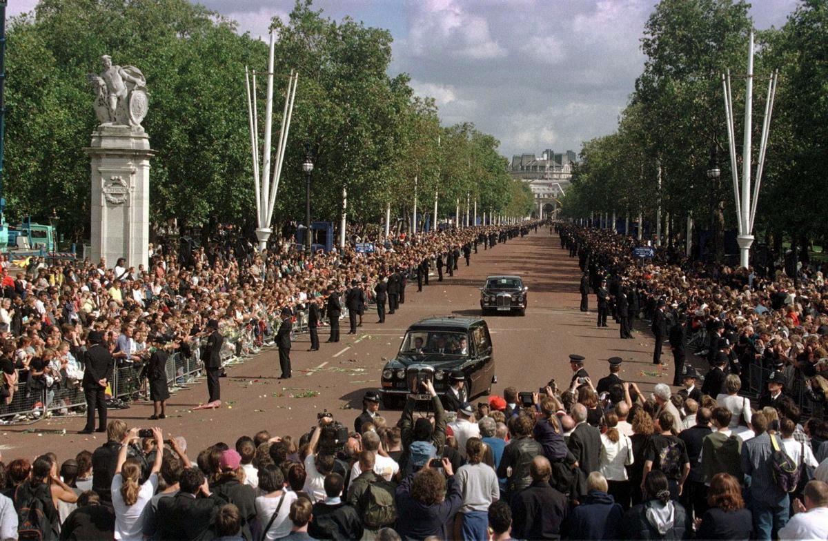 funeral-procession-princess-diana.jpg