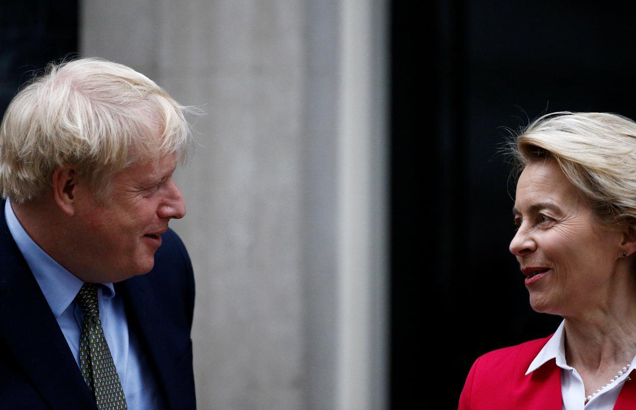 johnson-leyen-brexit.jpeg