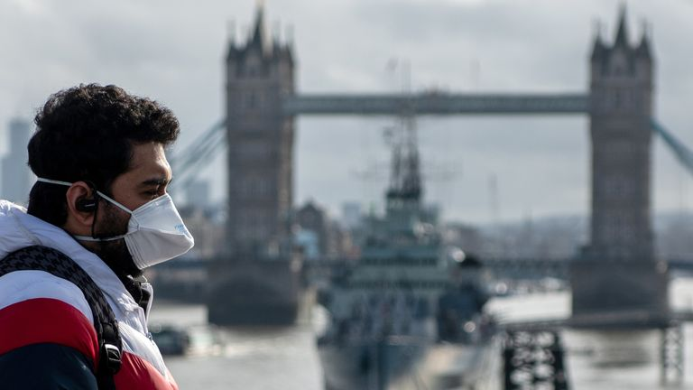 london-coronavirus_tower-bridge.jpg