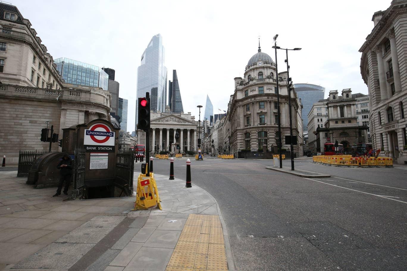london-lockdown-coronavirus.jpg