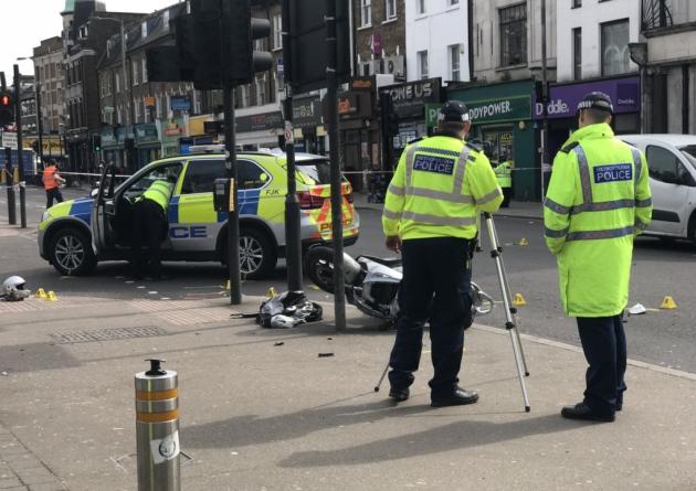 london_moped_thief.jpg
