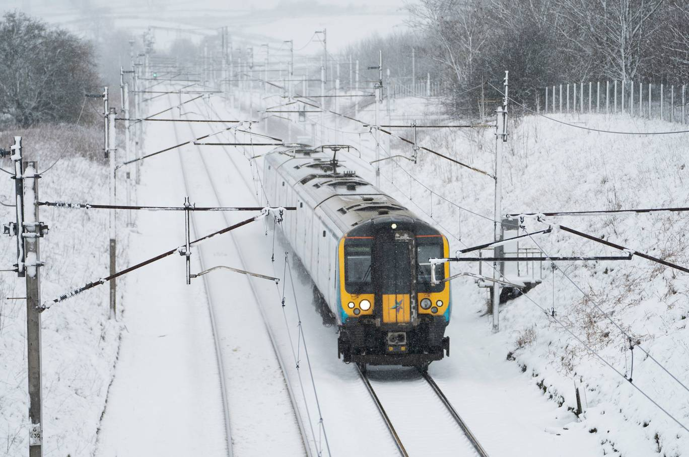 railway_snow.jpg