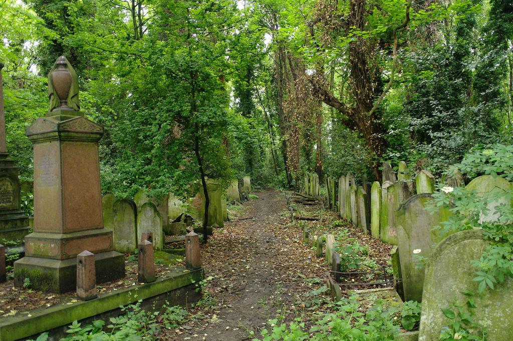towerhamlets_cemetery.jpg