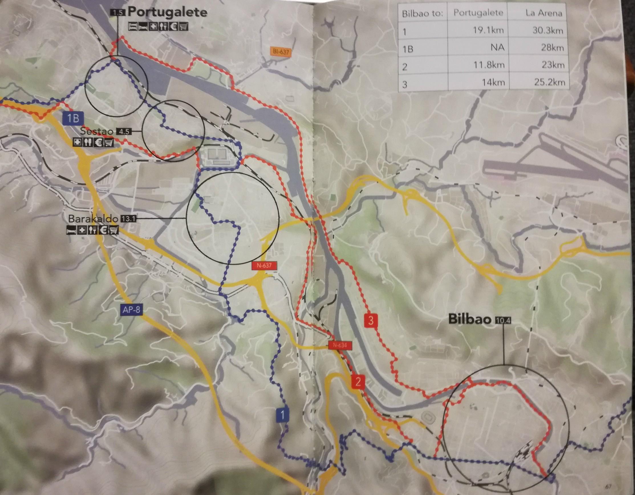 Alternatív útvonalak piros és kék színekkel jelölve a térképen