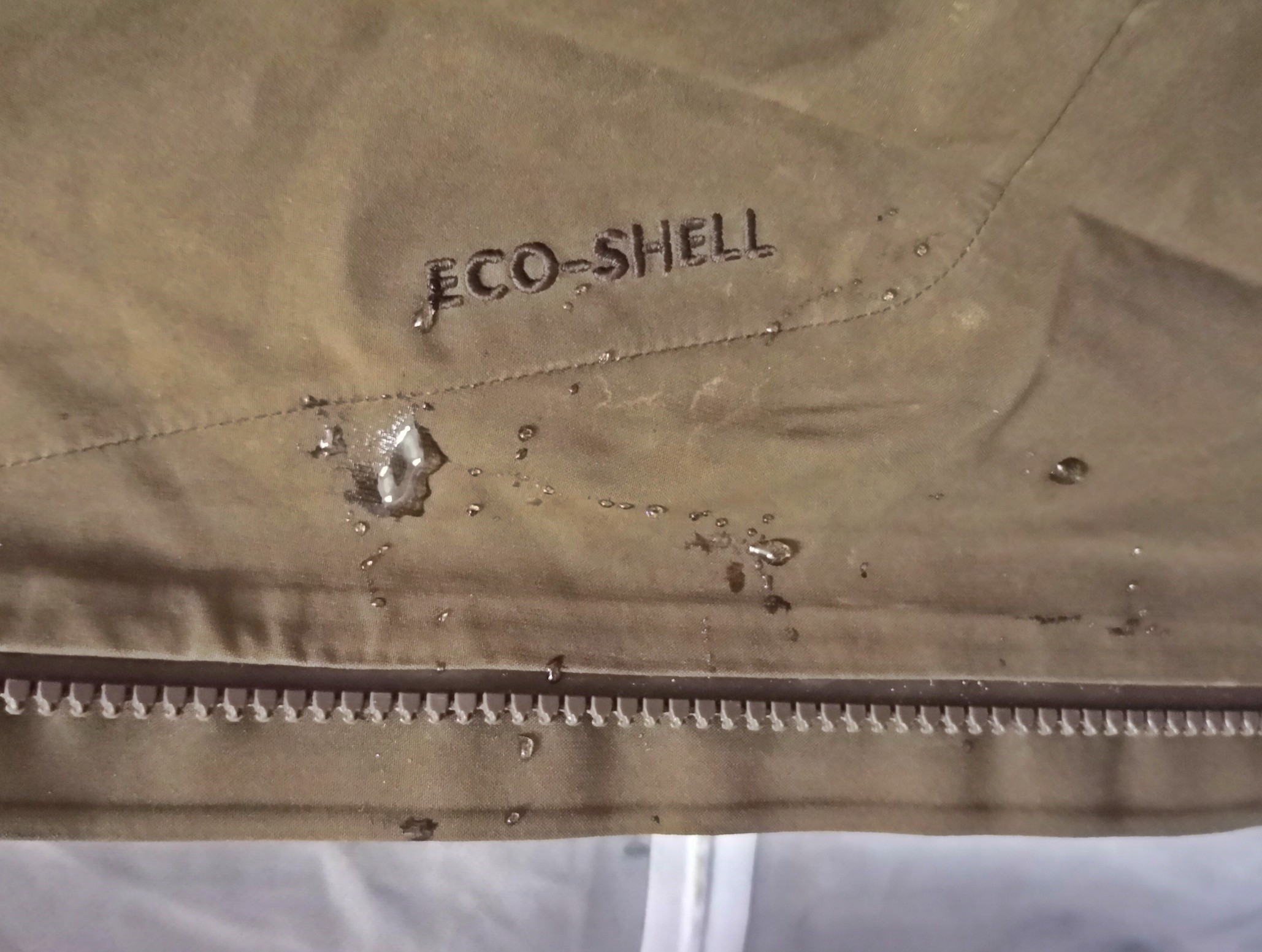 Kellemesen puha és környezetbarát EcoShell anyag