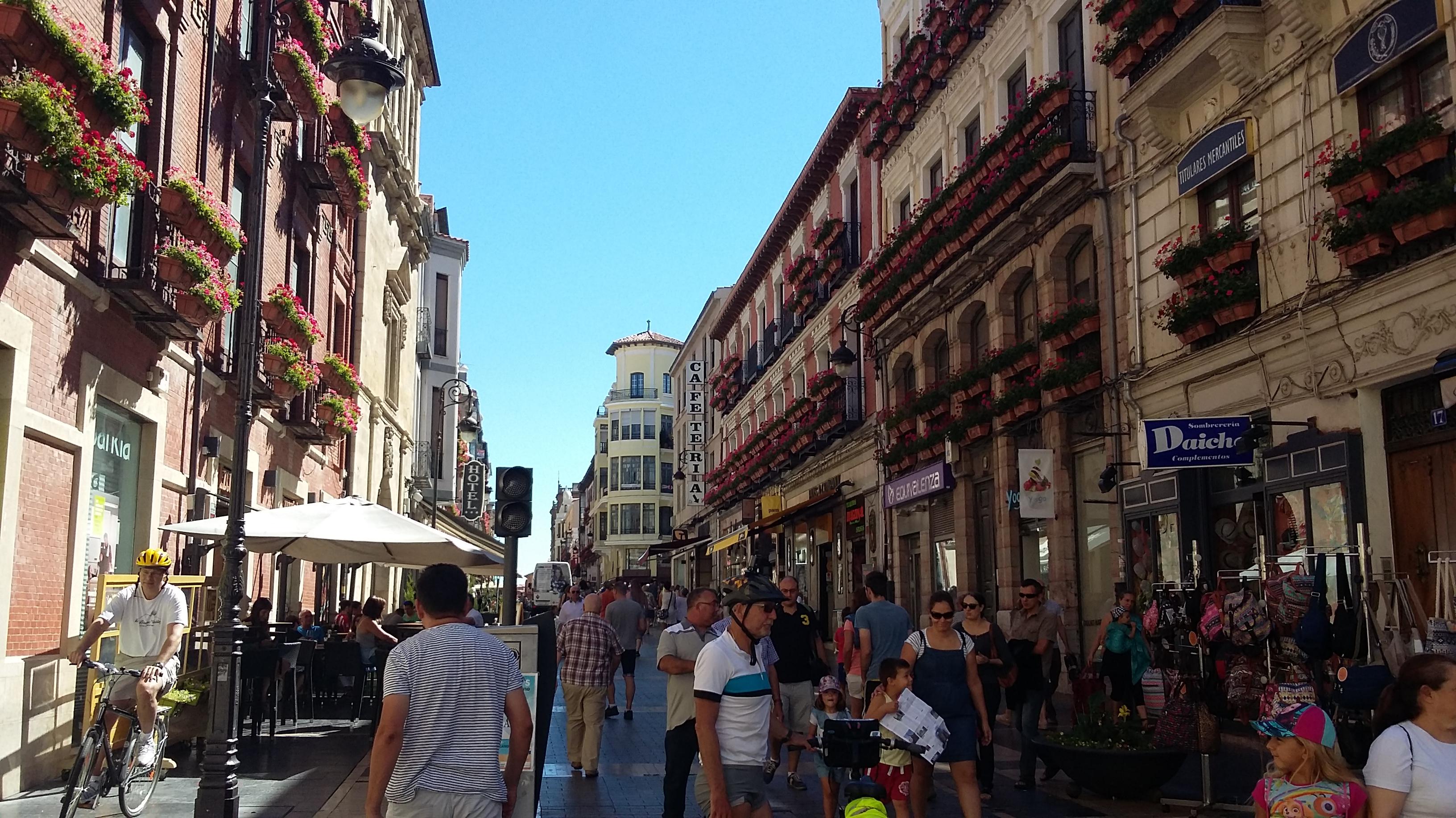 León Calle Ancha