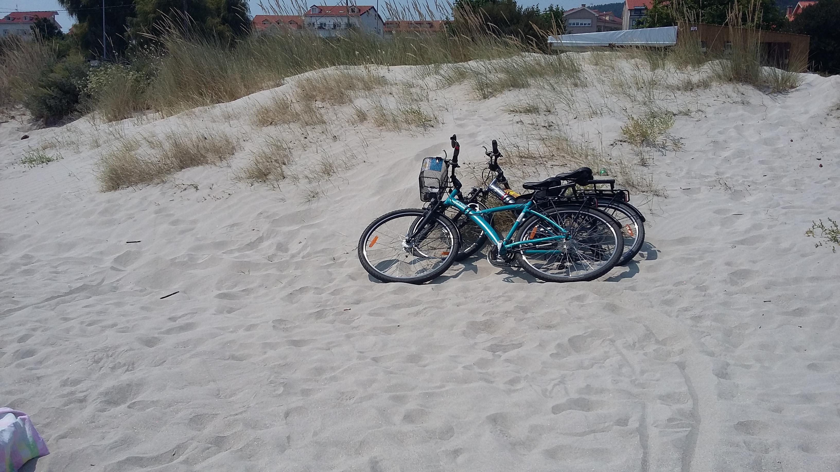Escaselas Playa de Langosteira. A kerékpárok pihennek.
