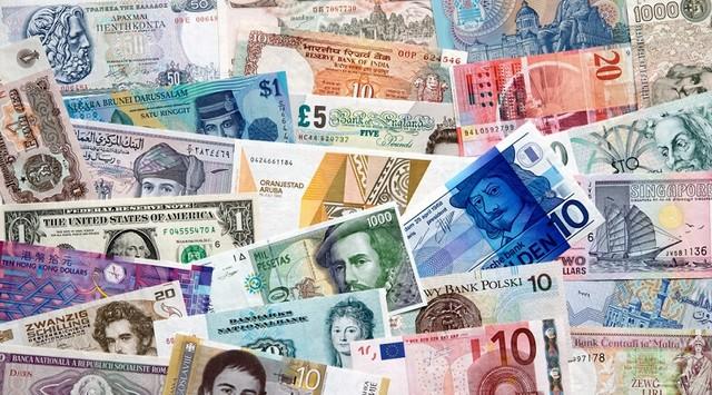 international-currency1.jpg