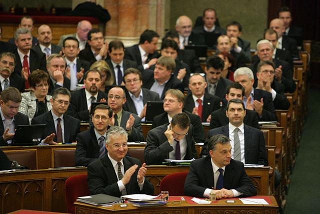 parlament_szavazas.jpg