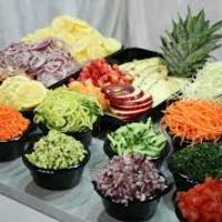 Milyen kisebb konyhafelszerelési eszközökre van szükség az ételek előkészítéséhez?