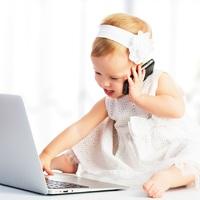 Rövidlátó lehet a gyerek, ha sokat nézi a monitort!