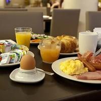 Kezdjük a napot egy kis(!) reggelivel!
