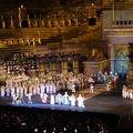 Hat furcsa babona az operából