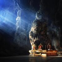 Lélegzetelállító barlangi templomok